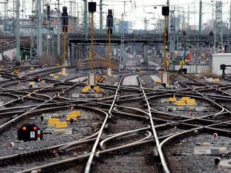 Deutsche Bahn spricht deutsch und will weniger Anglizismen verwenden