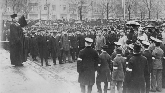 Gottesdienst der Berliner Jugendkompagnien während des Ersten Weltkrieges, 1915