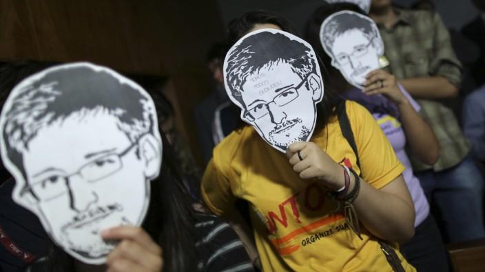 Whistleblower im öffentlichen Dienst: Im öffentlichen Dienst darf man nach wie vor nicht pfeifen. Wer es tut, muss sehen, wo er bleibt. Das ist Snowden auf Deutsch.