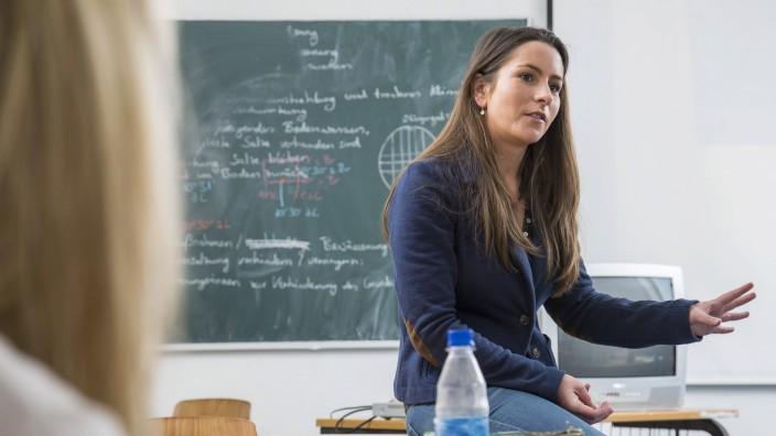 Öffentlicher Dienst: Der Frauenanteil in Führungspositionen an den Schulen wird oft als positives Beispiel genannt. Schaut man die Zahlen genauer an, stellt es sich jedoch anders dar.