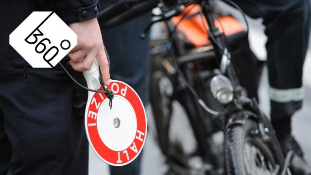Polizei kontrolliert Radfahrer; Radl