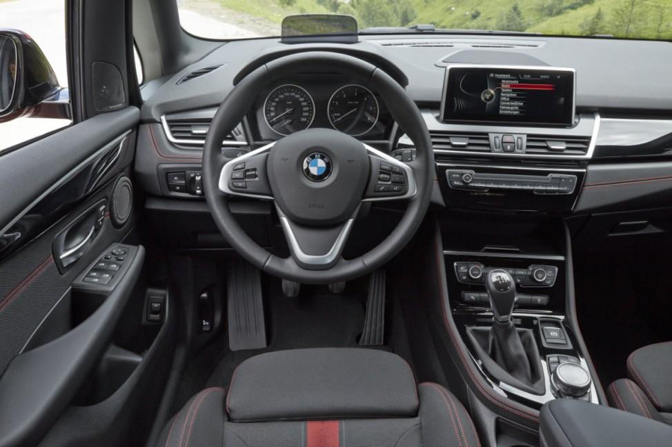Innenraum des BMW Zweier Active Tourer Kompaktvan Van