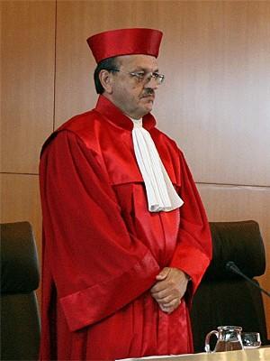 Prof. Herbert Landau; dpa