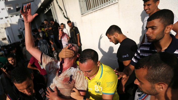 Palestinians killed in Israeli airstrike on Gaza market