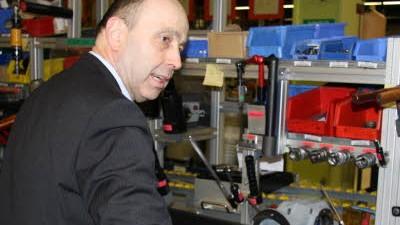 """Familienunternehmen: Maschinenbau: Johann Soder: """"Unser Ziel ist es, unseren Arbeitsplatz zu sichern."""" Am Ende des Jahres wird meist ein erfolgsabhängiger Bonus ausgezahlt."""
