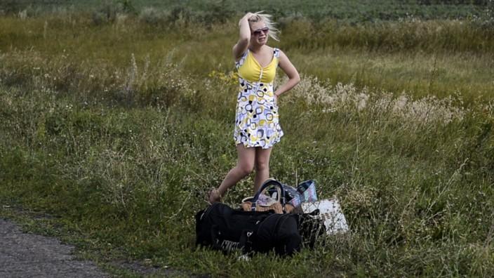 Ukraine-Krise: Verzweifelt: Eine Ukrainerin, die ihr Dorf verlassen hat.