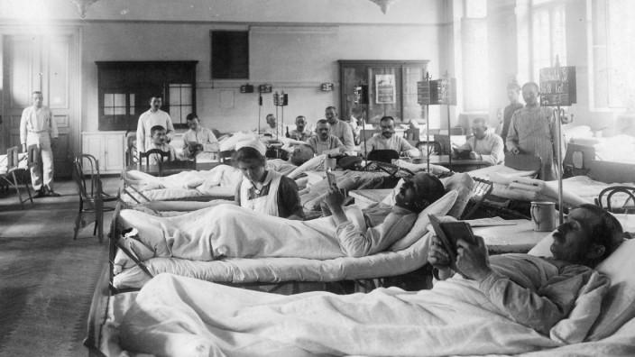 Deutsche Verwundete in einem Lazarett an der Ostfront, 1918