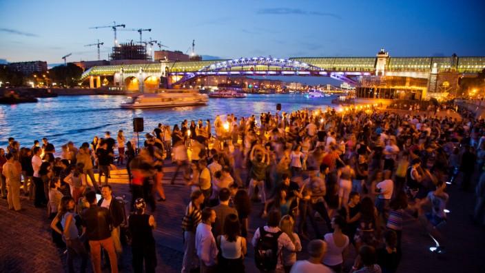 Nachtleben an der Moskwa, Moskau, Russland