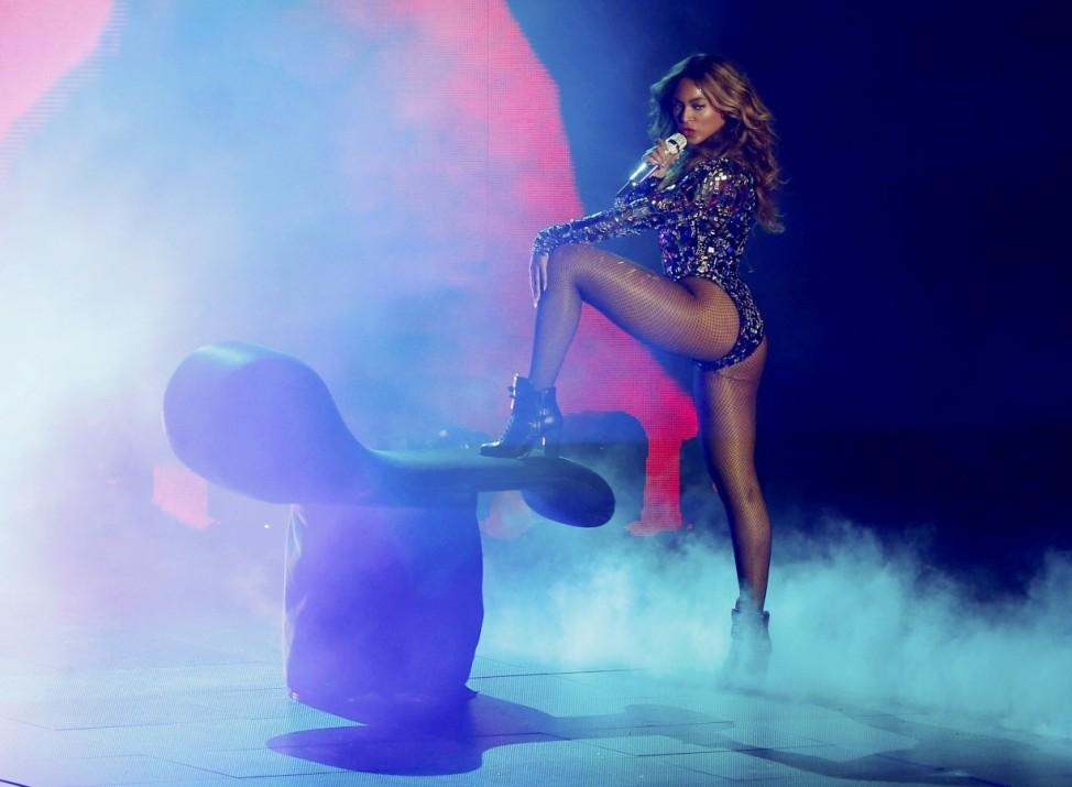"""Beyoncés Song """"Pretty Hurts"""" wurde mit dem Award """"Bester Song mit einer Message"""" ausgezeichnet."""