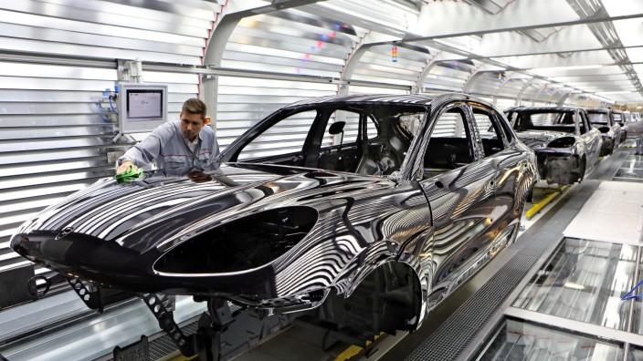 Porsche eröffnet Macan-Fabrik in Leipzig