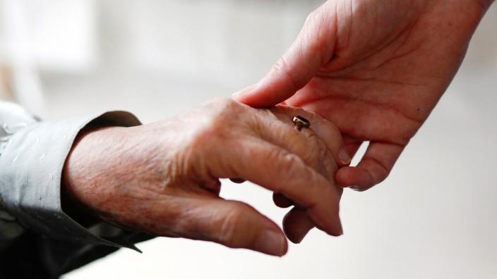 Zum Sterben ins Hospiz - Mehrheit wünscht sich Sterbebegleitung
