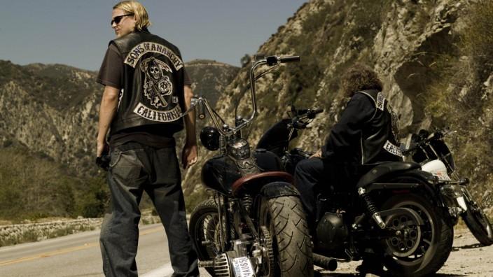 """US-Serie """"Sons of Anarchy"""": Auch ein Vollgastyp wie """"Sons of Anarchy""""-Held Jax Teller (Charlie Hunnam, links) braucht mal eine kurze Pause."""