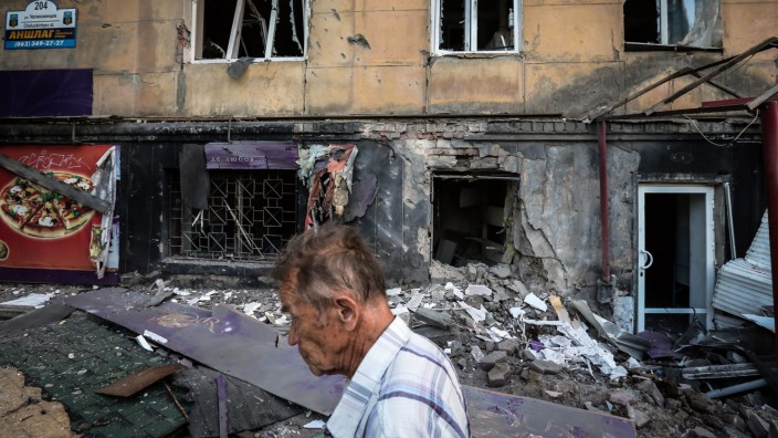 Ukraine says 34 people killed in fighting in the east