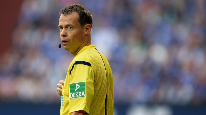 Bundesliga, Schiedsrichter, Eintracht Frankfurt, Schalke 04, Fußball