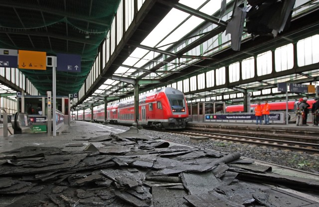 Sturm in Duisburg, Schaden im Hauptbahnhof