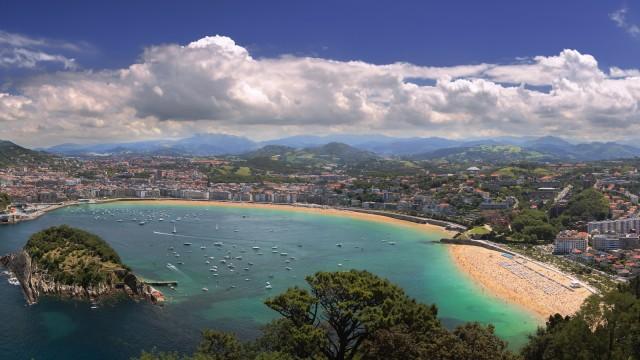 "Blick auf die Bucht ""La Concha"" in San Sebastian"