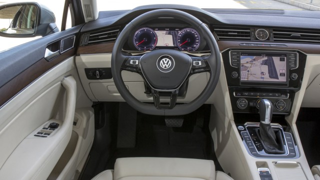Der Innenraum des neuen VW Passat Variant.