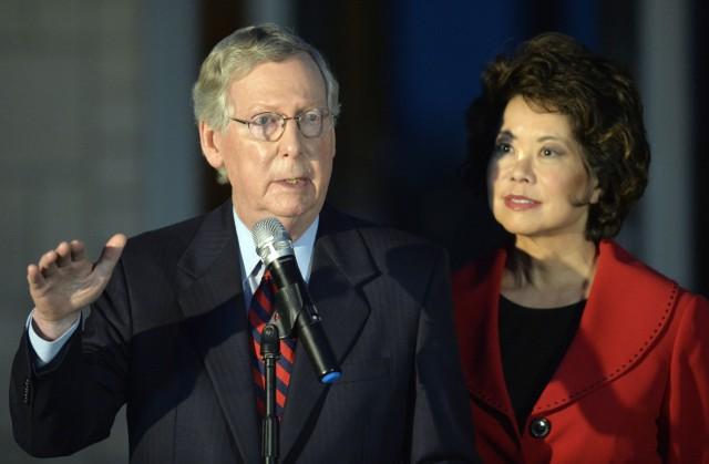 Mitch McConnell mit seiner Frau Elaine Chao