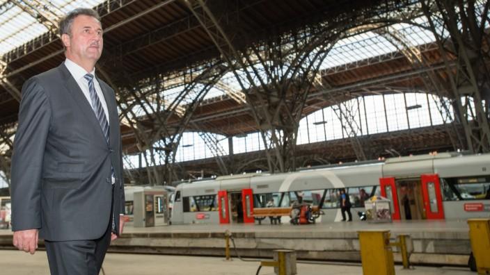 Streik der Lokführer - GDL-Vorsitzender Claus Weselsky am Hauptbahnhof Leipzig
