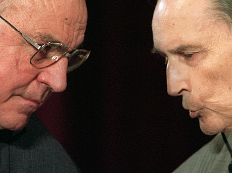 Helmut Kohl Francois Mitterand dpa