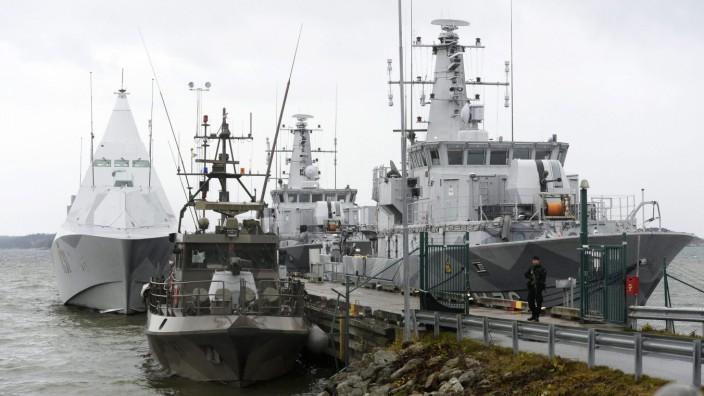 Origin of submarine sighted in Sweden still unclear