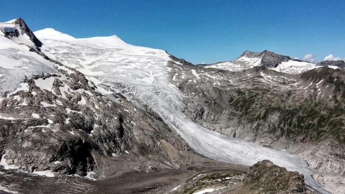 Gletscher-Archäologie: Gletscher am Großvenediger: Wenn sich die Eismassen zurückziehen, fördert das oft Überreste vergangener Kulturen ans Tageslicht