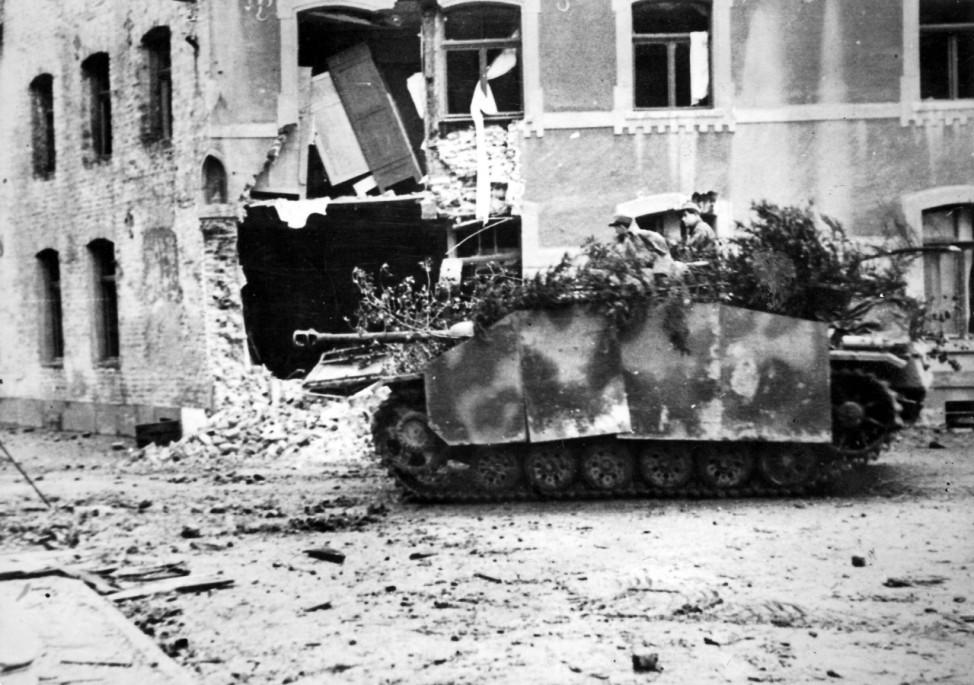 Deutsches Sturmgeschütz III bei Aachen, 1944 Zweiter Weltkrieg
