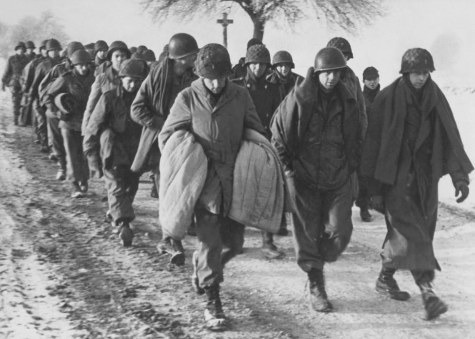 Amerikanische Gefangene während der deutschen Ardennenoffensive, 1944