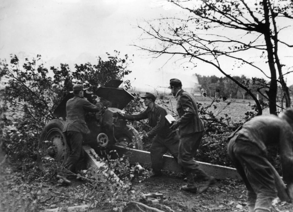 Artillerie der Wehrmacht während der Schlacht um Aachen, 1944