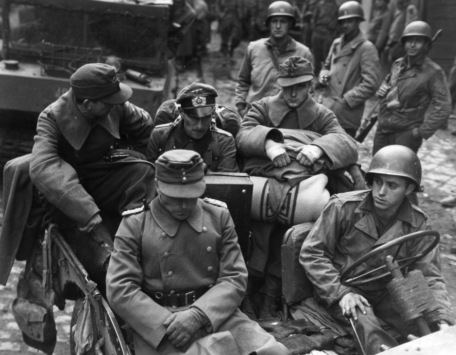 Oberst Gerhard Wilck und sein Stab in Gefangenschaft, 1944