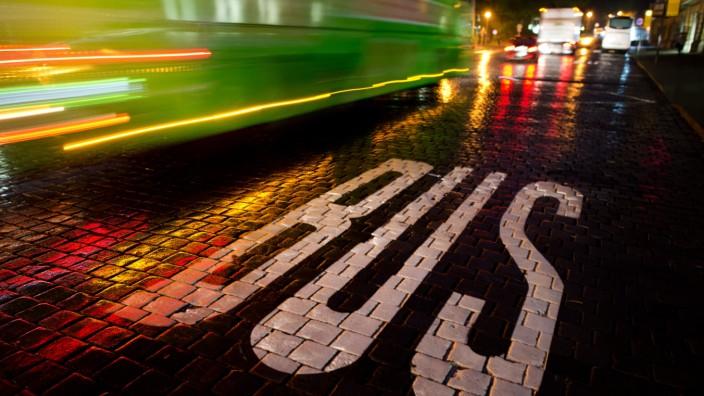 Fernbus gegen Bahn