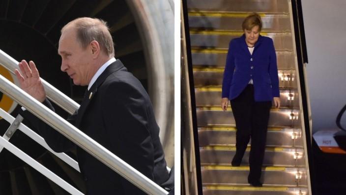 Putin und Merkel: Die Macht des Trennenden: Russlands Präsident Putin verlässt das Gipfeltreffen als einer der Ersten, Kanzlerin Merkel entsteigt ihrer Maschine in Brisbane.