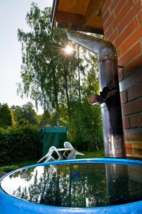 Sparen dank schlechtem Wetter - Regenwasser für Haus und Grün