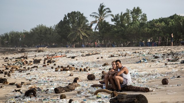 Trash Season Arrives On Kuta Beach