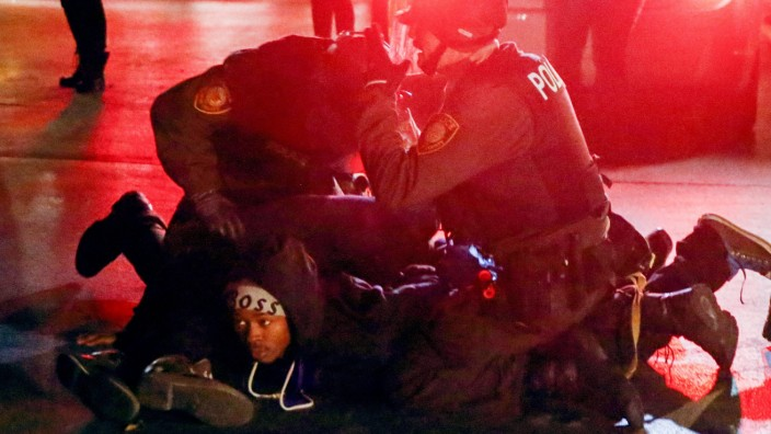Reaction to grand jury decision on the Michael Brown shooting