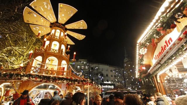 Christkindlmarkt am Rindermarkt in München, 2012