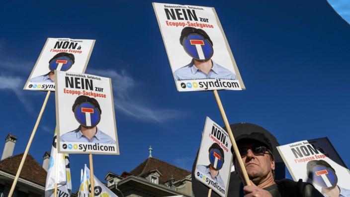 """Schweizer gegen Ecopop: Erfolgreiche """"Nein""""-Kampagne: Eine deutliche Mehrheit der Schweizer lehnte Ecopop ab."""