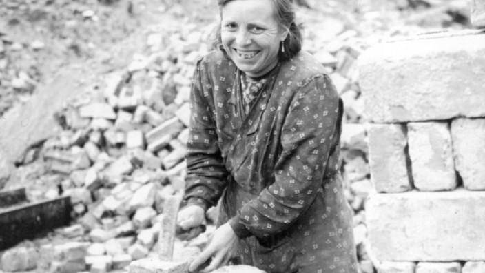 Trümmerfrau in Berlin