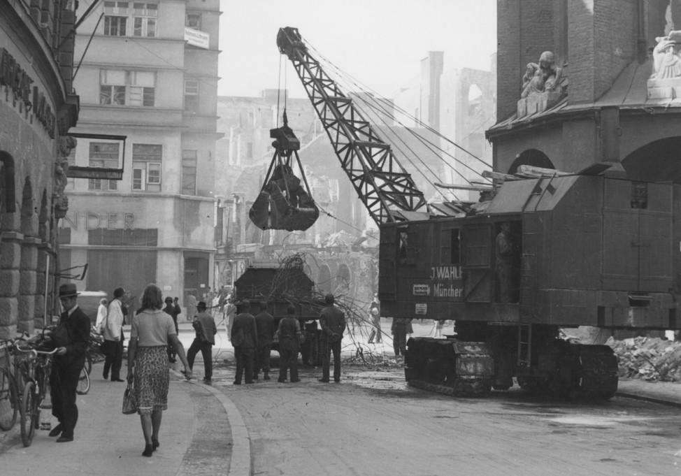 Öffentliches Leben 1945-1949: Trümmerfrauen, Trümmerräumung 1945-1949