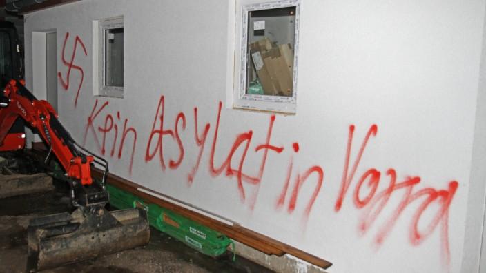 """Kein Asylant in Vorra"""