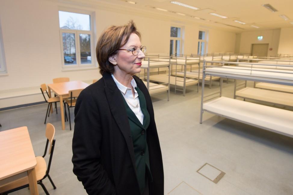 Eröffnung einer Übergangs-Aufnahmeeinrichtung für Flüchtlinge