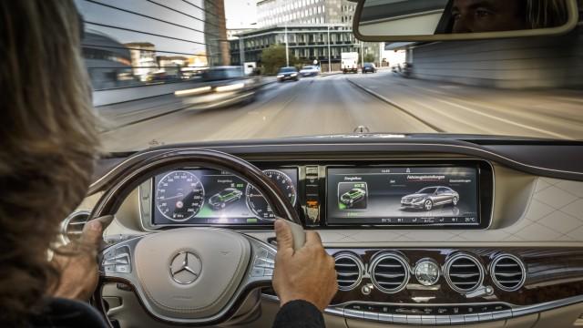 Der Innenraum des Mercedes S 500 Plug-In-Hybrid.