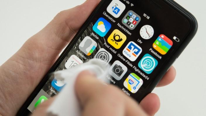 Fünf Tipps für ein sauberes Smartphone im Winter