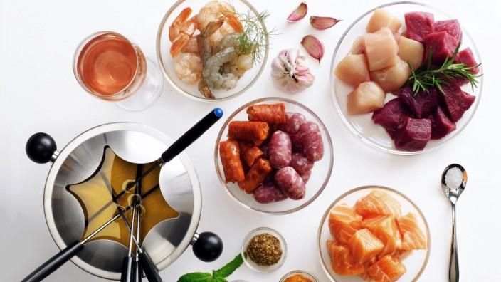 Fleischfondue Zubereitung, Zutaten & Tipps |