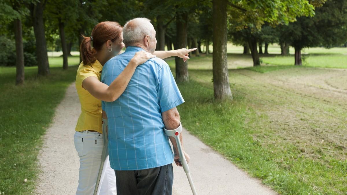 Delir: Warum ältere Menschen nach Operationen oft geistig abbauen