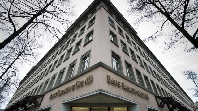 Schweizer Konto: Züricher Filiale der Bank Sarasin: Der Milliardär Erwin Müller hat jahrelang einen Teil seines Vermögens in der Schweiz versteckt.