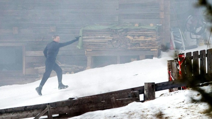 "Daniel Craig am Set vom James-Bond-Film ""Spectre"" in Österreich"