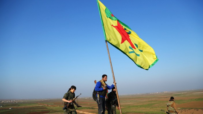 Kurdish fighters claim to have cleared Islamic State from Kobane