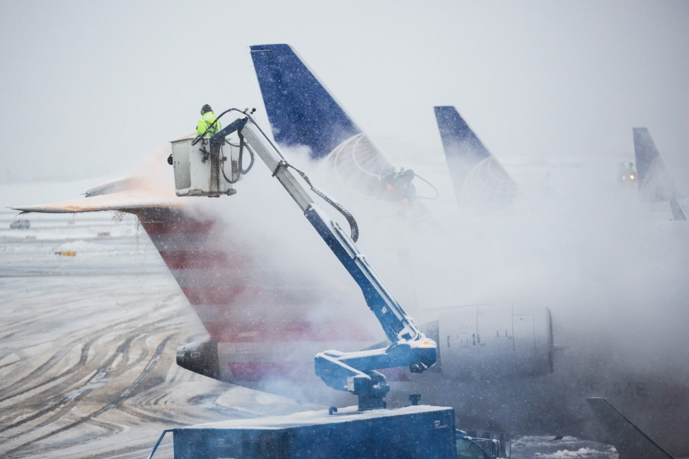 Snow Storm Snarls Air Traffic From Chicago To East Coast