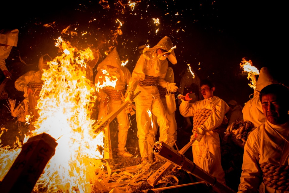 *** BESTPIX *** Japanese Men Participate In Oto Fire Festival